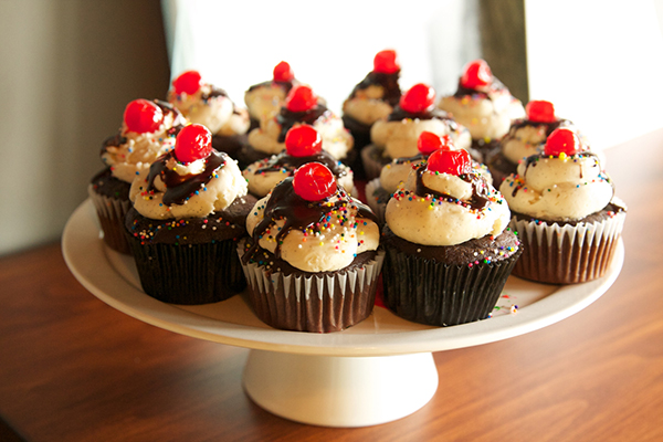I made epic Sundae Cupcakes!