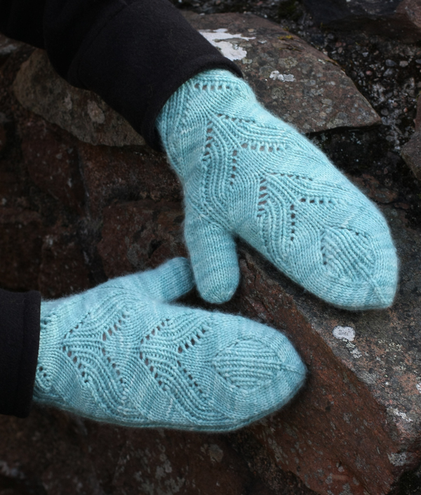 Loch Mittens by Tin Can Knits