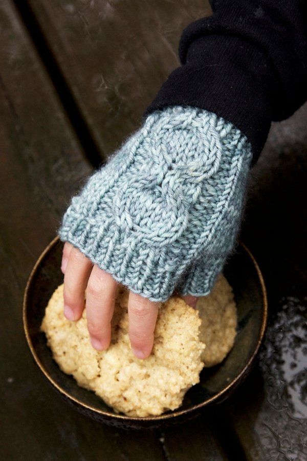 Honeycomb Mitts by Tin Can Knits