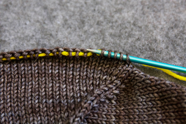 sleeve-sts-put-on-needles