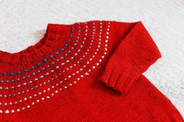 SweetGeorgia yarns has donated the yarn to make this sweater! 2 skeins of Superwash DK and a Party of 5 Gradient, the winner can choose their colours! Heartring by Joji Locatelli: The lovely SweetGeorgia