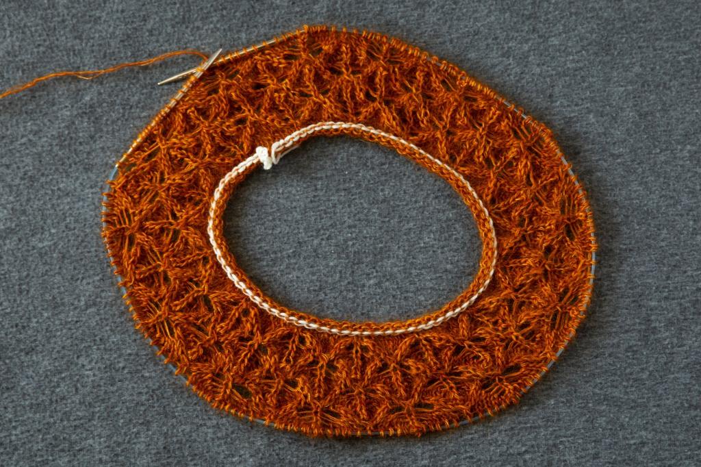 doughnut-shaped lace yoke in progress